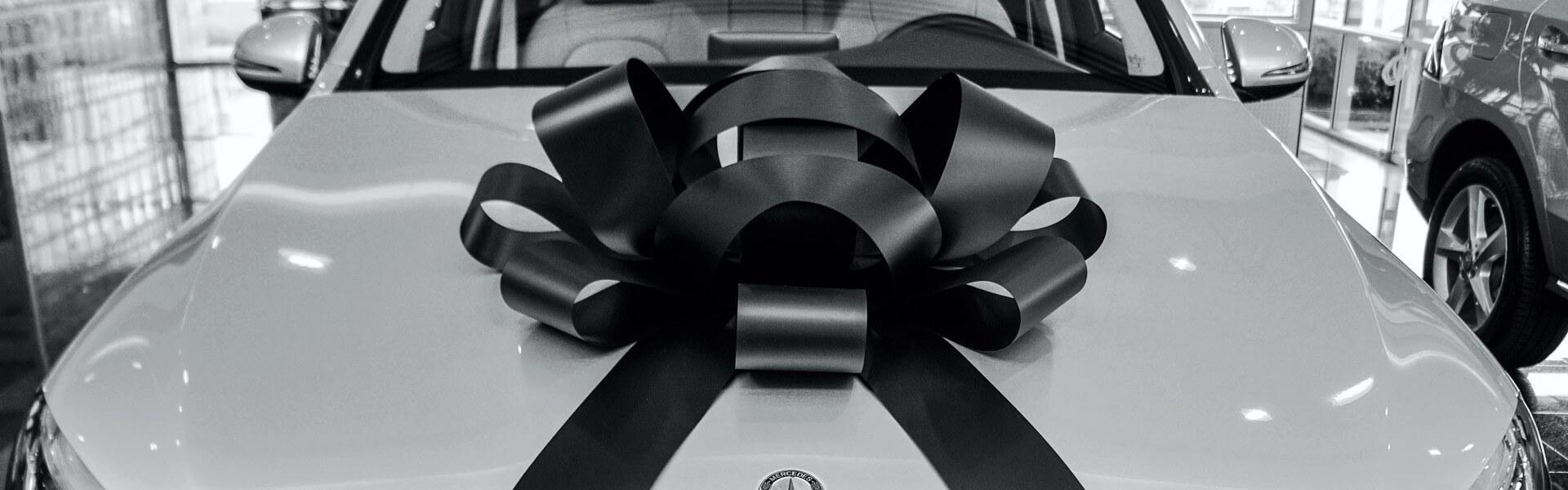 big black car bow